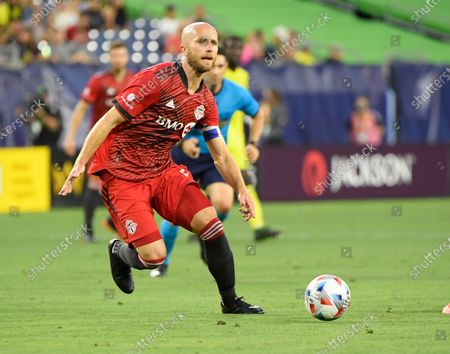 Toronto FC midfielder Michael Bradley (4) dribbles against the Toronto FC during the first half of an MLS game between Toronto CF and the Nashville SC at Nissan Stadium in Nashville TN Steve Roberts/CSM