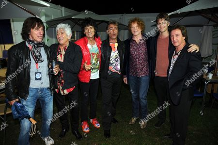 Jeff Beck, Ian McLagan, Ronnie Wood, Glen Matlock, Mick Hucknall, Jesse Wood and Kenney Jones
