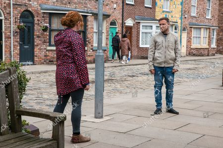 Stock Photo of Coronation Street - Ep 10368 Monday 5th July 2021 - 1st Ep Fiz Stape, as played by Jennie McAlpine, tells Tyrone Dobbs, as played by Alan Halsall, that he needs to tell the girls about the baby today and if he doesn't, she will.