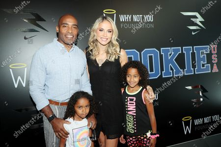 Tiki Barber with family