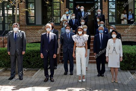 Queen Letizia of Spain (C) poses for a group photo before a meeting of the Student Residence Patronage next to Education Minister Isabel Celaa (R), Science Minister Pedro Duque (2-L) and Culture and Sports Minister Jose Manuel Rodriguez Uribes (L) in Madrid, Spain, 25 June 2021.
