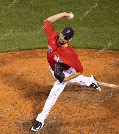 Boston Red Sox relief pitcher Matt Barnes delivers a pitch during the ninth inning against the New York Yankees at Fenway Park in Boston, Massachusetts, USA, 25 June 2021.