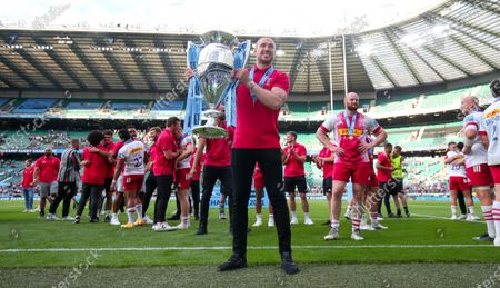 Harlequins celebrate winning the Premiership Title 2021 - Mike Brown