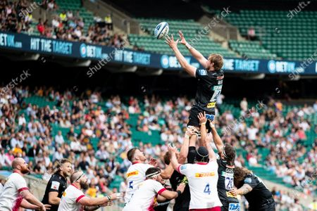 Jonny Gray of Exeter Chiefs claims the lineout during the Gallagher Premiership Play-Off Final Rugby match between Exeter Chiefs and Harlequins at Twickenham, Richmond