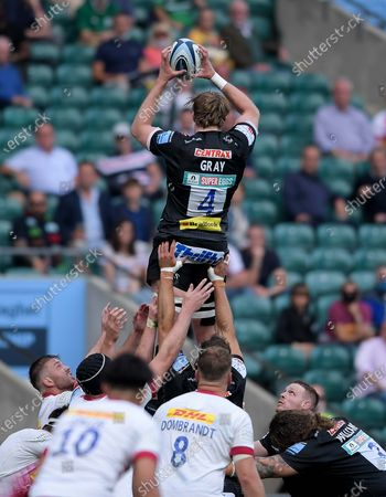 Jonny Gray of Exeter Chiefs wins the lineout