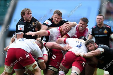 James Chisholm and Stephan Lewies of Harlequins compete with Jonny Gray and Jonny Hill of Exeter Chiefs at a maul