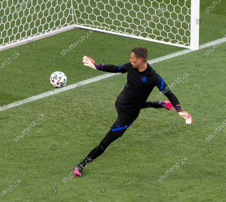 Goalkeeper Maarten Stekelenburg of the Netherlands during the team's training session in Budapest, Hungary, 26 June 2021. The Netherlands will face the Czech Republic in their UEFA EURO 2020 round of 16 soccer match on 27 June 2021.