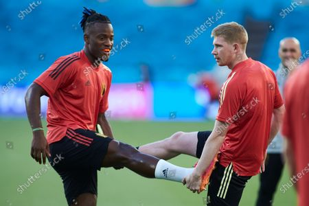 Michy Batshuayi and Kevin De Bruyne in action during the official training of Belgium at the La Cartuja stadium on June 26, 2021 in Sevilla, Spain.