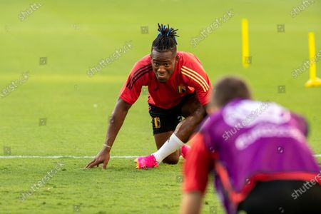 (210627) - SEVILLE, June 27, 2021 (Xinhua) - Michy Batshuayi of Belgium is waiting for a training session in Seville, Spain, June 26, 2021, on the eve of the UEFA Euro 2020 Championship Round of 16 match against Portugal.