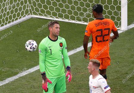Netherlands goalkeeper Maarten Stekelenburg (L) reacts after conceding Czech Republic's 2-0 lead during the UEFA EURO 2020 round of 16 soccer match between the Netherlands and the Czech Republic in Budapest, Hungary, 27 June 2021.