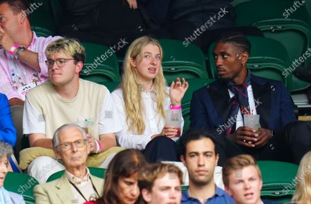 Anais Gallagher and Ovie Soko in the Centre Court crowd