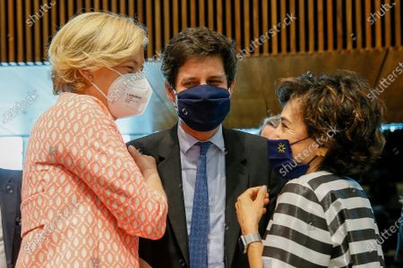 (L-R) German Minister of Food and Agriculture Julia Klockner, French Agriculture Minister Julien Denormandie and Portuguese Minister of Agriculture Maria do Ceu Albuquerque at the start of the Agriculture and Fisheries council meeting in Luxembourg, 28 June 2021. EU Ministers will discuss the reform of the Common Agricultural Policy (CAP) but also biological control agents and the need to set a specific goal to protect bees.