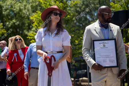 Summerleigh Winters, daughter of slain Capital Gazette staff member Wendi Winters, participates in the dedication ceremony for the Guardians of the First Amendment Memorial in Annapolis, Maryland, USA, on 28 June 2021. On 28 June 2018 five journalists and staff of the Capitol Gazette, Gerald Fischman, Rob Hiaasen, John MCNamara, Rebecca Smith and Wendi Winters, were killed during a mass shooting incident in their office.
