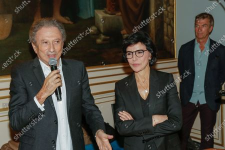 """Michel Drucker and the Mayor of the 7th, Rachida Dati during the evening given to the Mayor of the 7th arrondissement of Paris for the fifth edition of the festival """"Des Livres Des Stars"""" in Paris on June 26, 2021."""