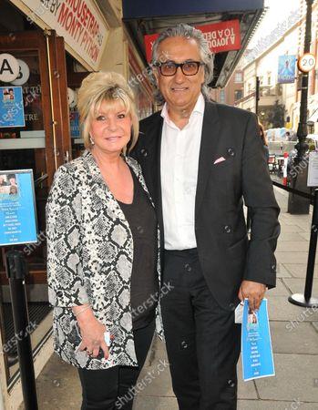 Lesley Reynolds Khan and Dr Aamer Khan