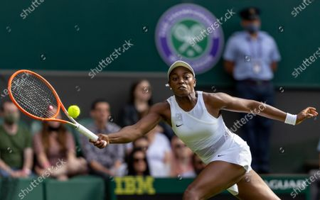 Sloane Stephens (USA) playing against Petra Kvitova (CZE) in the first round of the Ladies' Singles on Centre Court at The Championships 2021