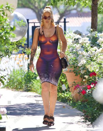"""Exclusive - Iggy Azalea Wears a Curvy """"Nude"""" Dress While Out in Calabasas After Denying Fans Claims That She Has Stayed Silent on Britney Spears"""
