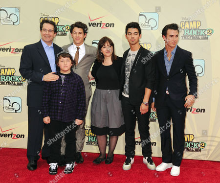 Stock Photo of Gary March, Frankie Jonas, Nick Jonas, Carolina Lightcap, Joe Jonas, Kevin Jonas