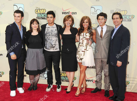 Kevin Jonas, Carolina Lightcap, Joe Jonas, Anne Sweeney, Demi Lovato, Nick Jonas, Gary Marsh