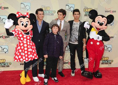 Minnie Mouse, Kevin Jonas, Frankie Jonas, Nick Jonas, Joe Jonas, Mickey Mouse