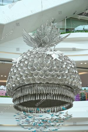 On June 30, 2021, a giant silver hat with a Miao girl's head crown appeared in a large shopping mall in Guanshanhu District, Guiyang City, Guizhou Province. It is understood that this huge silver crown cap is made completely according to the headwear of Miao girls in southeast Guizhou, Guizhou. It is the best Miao silver and has high ornamental and artistic value. When people walk into this shopping mall, they are the first to see people's eyes. This is such a beautiful accessory. Guizhou is a multi-ethnic province. Among the ethnic minorities, the Miao population has a large proportion. The Miao culture has a profound culture, especially the metal ornaments and clothes full of girls, which are unique and have become a business card for Guizhouâ€s external publicity and display.  This superb crown is exquisite in workmanship and exquisite materials. It is a rare cultural and craftsmanship.