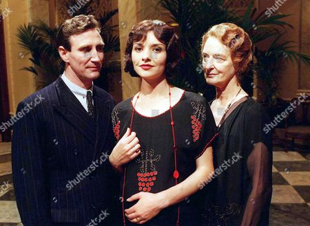 Episode 1 30 January 1998 L-R  Mark Mcgann as Marcus Bannerman, Victoria Scarborough as Ruth Bannerman and Caroline Blakiston as Isobel Crawford. Marcus' Wife Ruth is Pregnant and a Visit by Her Grandmother Isobel Causes a Lot of Tension Among the Family.