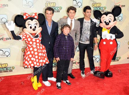 Minnie Mouse and Kevin Jonas  and Frankie Jonas and   Nick Jonas and Joe Jonas and Mickey Mouse