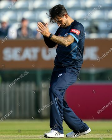 Jade Dernbach of Derbyshire Falcons celebrates taking the wicket of Riki Wessells of Worcestershire Rapids