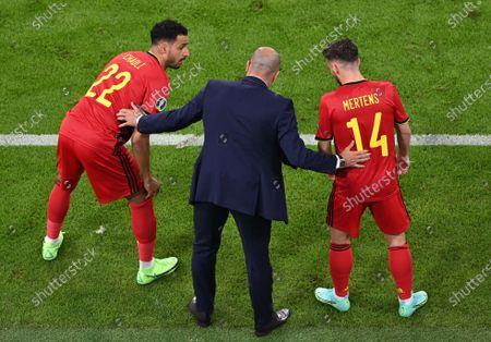 Belgium's head coach Roberto Martinez (C) talks to Nacer Chadli (L) of Belgium and Dries Mertens of Belgium during the UEFA EURO 2020 quarter final match between Belgium and Italy in Munich, Germany, 02 July 2021.