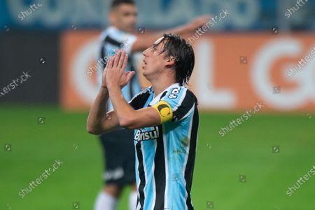 Pedro Geromel of Gremio misses a good scoring chance; Arena do Gremio, Porto Alegre, Brazil; Brazilian Serie A, Gremio versus Atletico Goianiense.