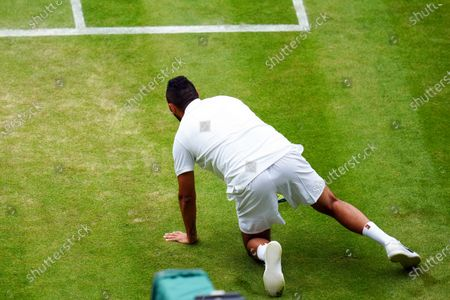 Nick Kyrgios slipping over during his third round match