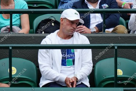 Stock Photo of Emma Raducanu's coach Nigel Sears during her third round match