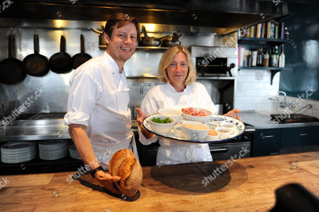 Oliver Rowe And Rosie Boycott Campaign To Create Tasty Dishes From Leftovers Picture Jeremy Selwyn 11/08/2009