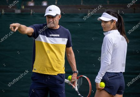 Emma Raducanu (GBR) with her coach Nigel Sears on the Aorangi Practice Courts at The Championships 2021. Held at The All England Lawn Tennis Club, Wimbledon. Middle Sunday 04/07/2021. Credit: AELTC/David Gray