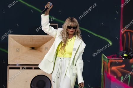 M.I.A. performing at Off-White for Virgil AbloH