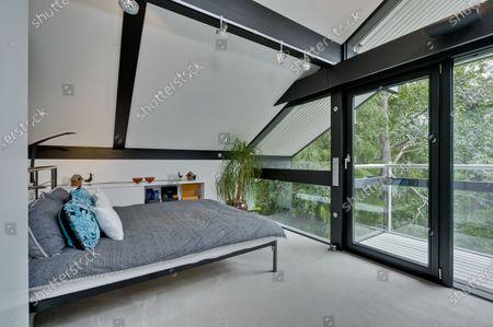 Editorial photo of Antonio Banderas house on the market for £2.95m, Cobham, Surrey, UK - 16 Jul 2020