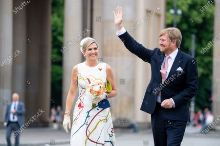 King Willem-Alexander and Queen Maxima of the Netherlands visit Brandenburger Tor with Mayor of Berlin Michael Muller, on the first of the 3 day state visit of the Dutch Royals to Germany.