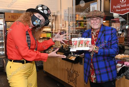 Noddy Holder hands out 100 Pret Christmas Sandwiches to eager customers to celebrate the iconic sandwich being back in shops for July