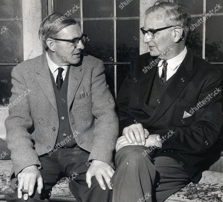 Norman Buckley Manchester Solicitor And Speedboat Racer (died November 1974). Pictured Left With Norman Smith Right Commodore Of The Windermere Motor Speed Boat Club. Original Library Print In Packet: Norman Buckley