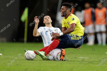 Colombia's Miguel Borja, right, and Argentina's Guido Rodríguez battle for the ball during a Copa America semifinal soccer match at the National stadium in Brasilia, Brazil