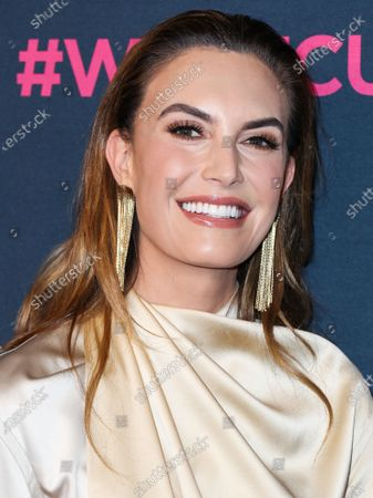 Actress Elizabeth Chambers arrives at The Women's Cancer Research Fund's An Unforgettable Evening Benefit Gala 2020 held at the Beverly Wilshire, A Four Seasons Hotel on February 27, 2020 in Beverly Hills, Los Angeles, California, United States.