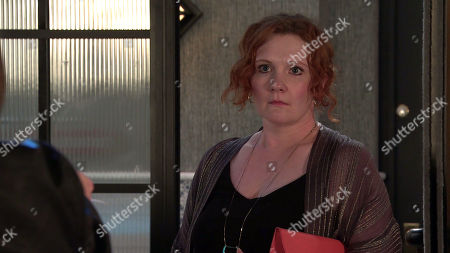 Coronation Street - Ep 10375 Monday 12th July 2021 - 2nd Ep Fiz Stape, as played by Jennie McAlpine, meets up with her date in the bistro only to discover that Chris is a reporter hoping to run a story on aggrieved women who've been dumped for a younger model. Fiz is furious but when Chris points out how good it'll feel to tell the world the truth, she's torn.