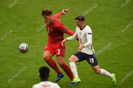 "Jannik Vestergaard (Denmark)Mason Mount (England)                     during the Uefa  ""European Championship 2020 Semifinals  match between England 2-1 Denmark at Wembley Stadium in London, England."