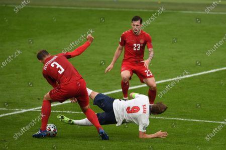 "Jannik Vestergaard (Denmark)Harry Kane (England)Pierre-Emile Hojbjerg (Denmark)                     during the Uefa  ""European Championship 2020 Semifinals  match between England 2-1 Denmark at Wembley Stadium in London, England."