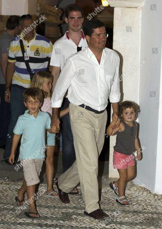 Carlos Morales Quintana with children Carlos and Amelia