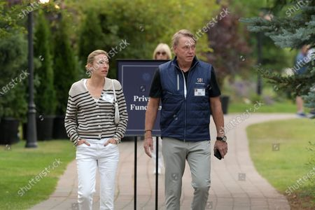Stock Picture of Elizabeth Sharp and Wes Edens