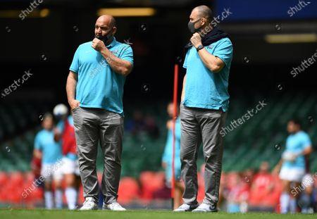 Argentina head coach Mario Ledesma and Michael Cheika.