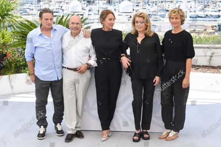Stock Image of Benoit Magimel, Gabriel Sara, Emmanuelle Bercot, Catherine Deneuve and Cecile de France