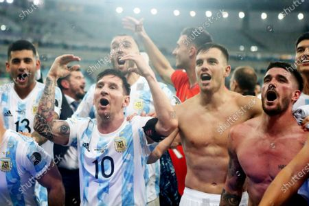 Lionel Messi of Argentina celebrates the victory with teammates after winning the Copa America 2021
