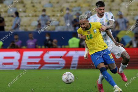 (210711) - RIO DE JANEIRO, July 11, 2021 (Xinhua) - Argentina's Rodrigo De Paul (back) vies with Brazil's Neymar during the 2021 Copa America football tournament final match in Rio de Janeiro, Brazil, on July 10, 2021.